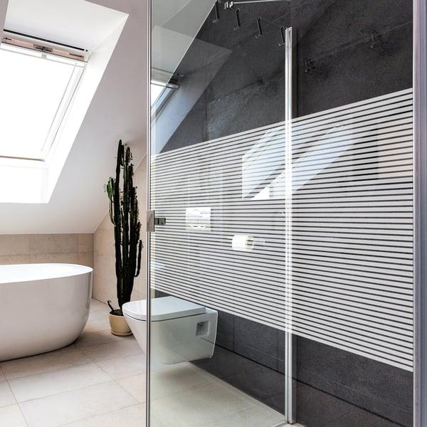 Folia dekoracyjna o wzorze białych pasów  –  szerokość 10mm